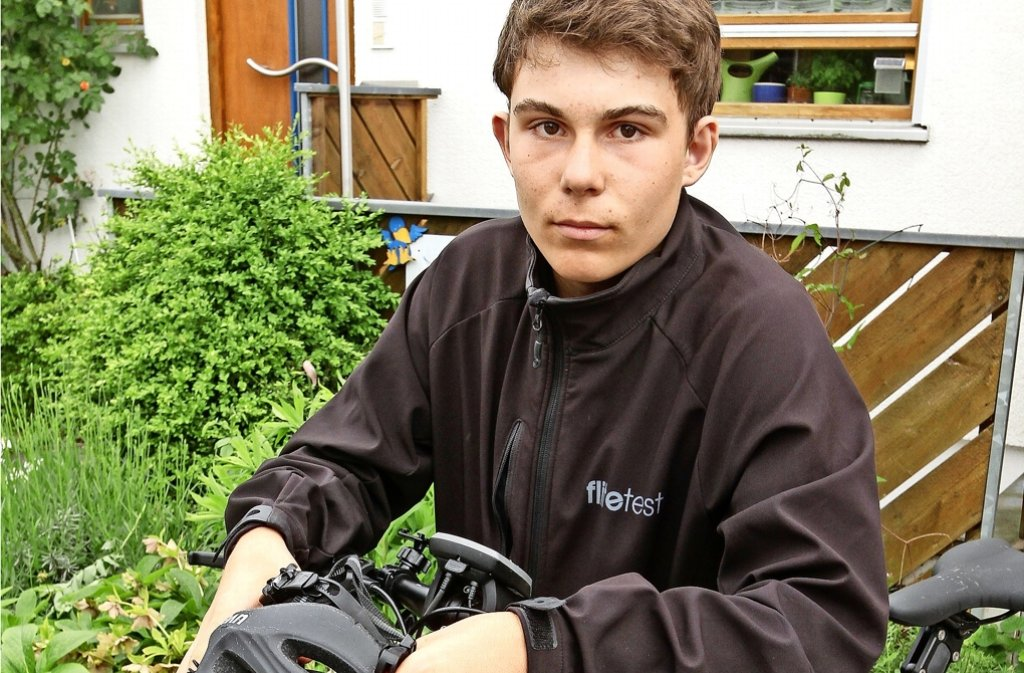 Jetzt ist Jannik Steiner eben mit dem E-Bike seines Vaters unterwegs. Foto: factum/Bach