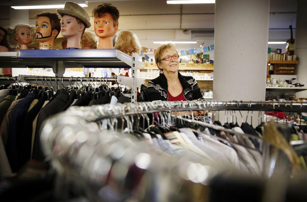 Hannelore Fischer (73) engagiert  sich  seit 25 Jahren im Sowas. Foto: Gottfried Stoppel