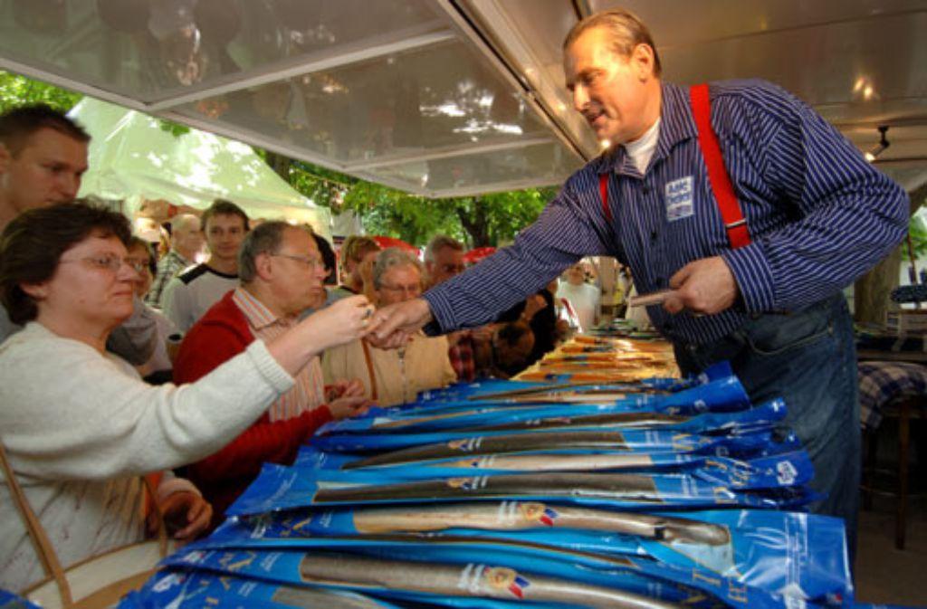 Bei Aale Dieter greifen die Kunden gerne zu. Foto: WAGS/Hamburg events GmbH