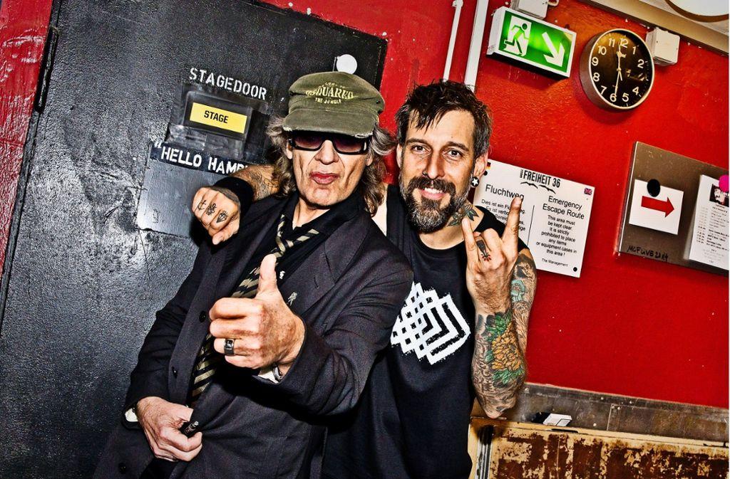 Freunde: Udo Lindenberg (links) und Daniel Wirtz im Backstage-Bereich des Live-Clubs Große Freiheit 36 in Hamburg Foto: Tine Acke