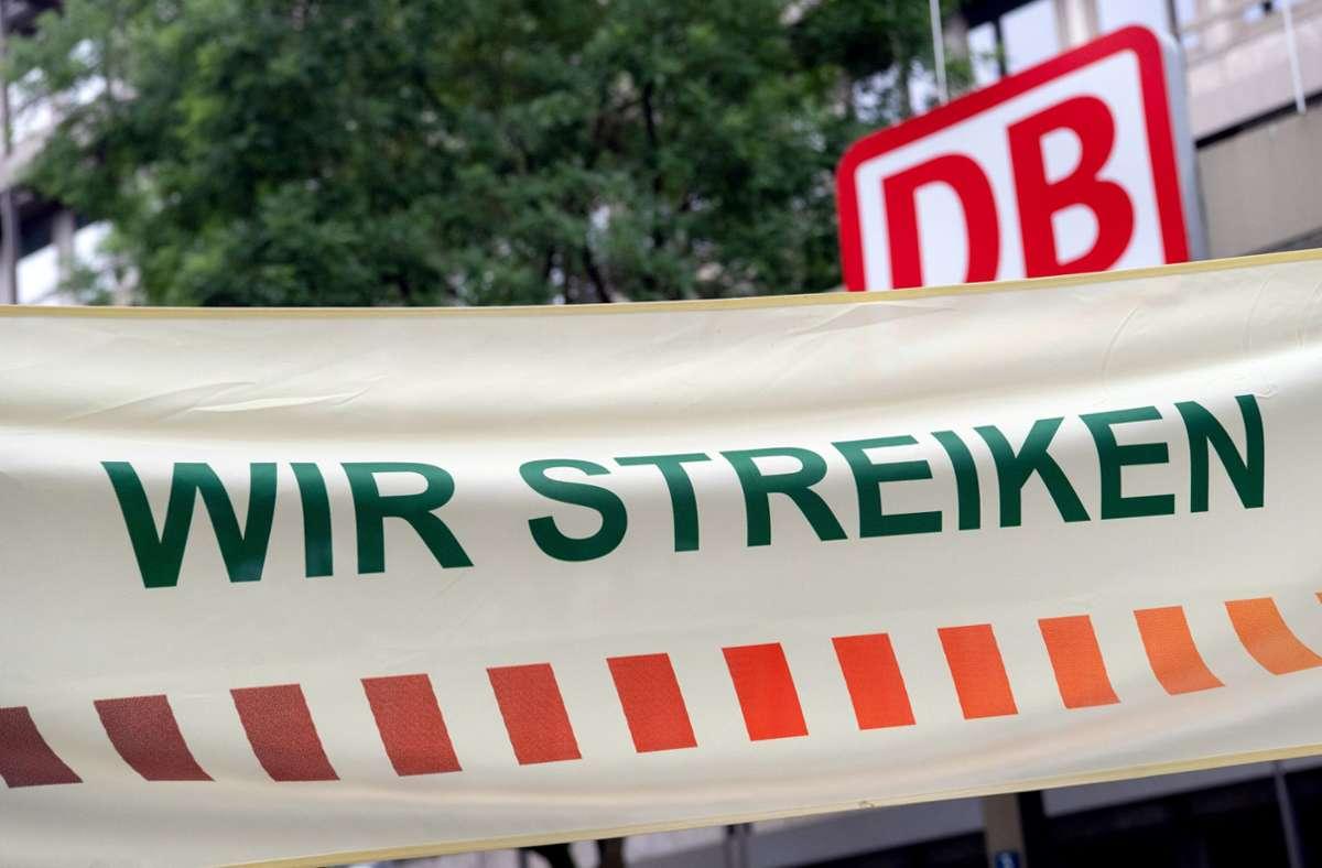 Bei einer Protestkundgebung der GDL vor wenigen Tagen in München. Foto: dpa/Sven Hoppe