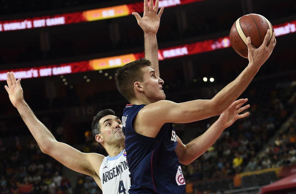 Bogdan Bogdanovic (rechts) ist mit Serbien bei der Basketball-WM in China ausgeschieden. Foto: AFP