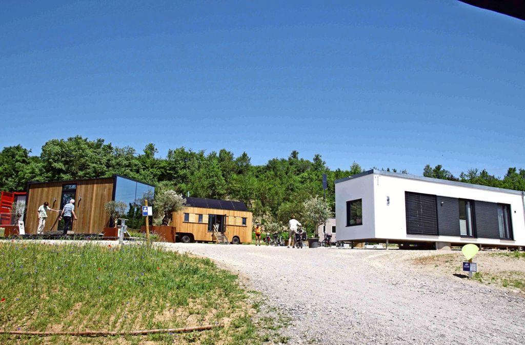 """Im Rahmen der Remstal-Gartenschau sind in Weinstadt (Rems-Murr-Kreis ) verschiedene Varianten der """"mobilen Immobilien"""" zu sehen gewesen. Foto: Andreas Rosar/Archiv"""
