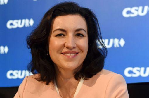 Digitalministerin Dorothee Bär ist genervt von perfektionistischen Mamas
