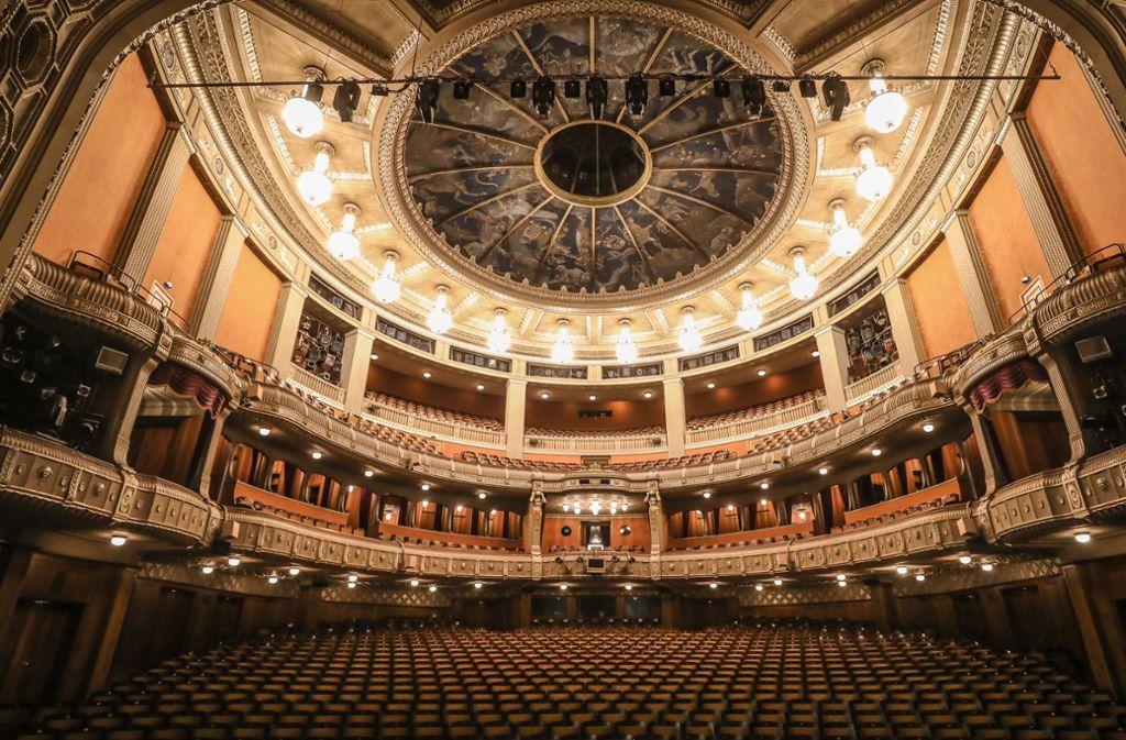 Die Staatsoper in Stuttgart dürfen Besucher derzeit nicht betreten. Doch die Vorführungen finden ihren Weg ins Netz. (Archivbild) Foto: Lichtgut/Christoph Schmidt/Christoph Schmidt