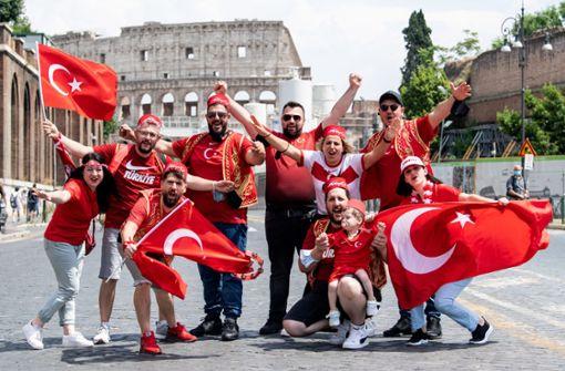 Türkei-Fans aus Stuttgart fiebern beim Eröffnungsspiel live mit