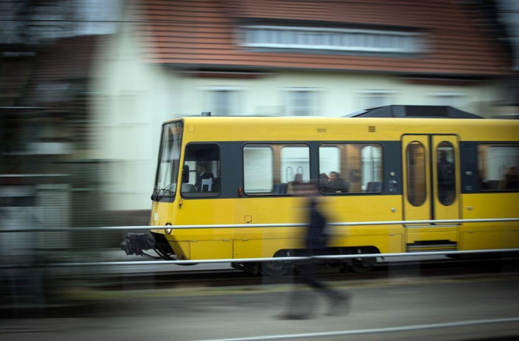 Eine Stadtbahn der Linie U12 musste eine Notbremsung einleiten (Symbolbild). Foto: Lichtgut/Achim Zweygarth