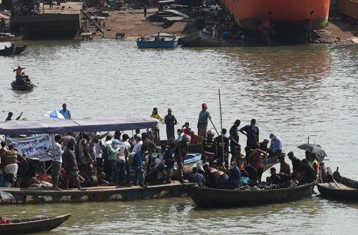 Dutzende Tote bei Schiffsunglück in Bangladesch