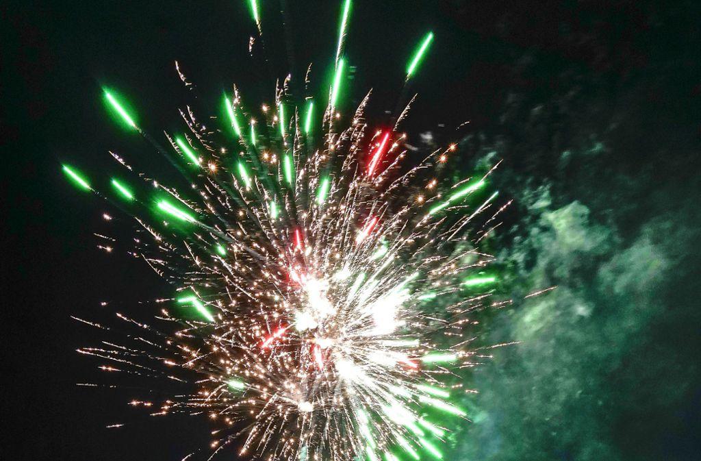 Feuerwerk vor der Silvesternacht: Der Baumarkt zeigt seine Angebote. Foto: factum/Jürgen Bach