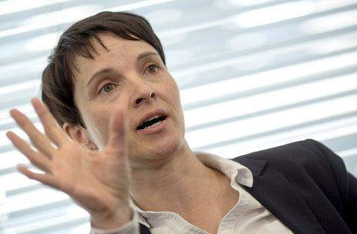 """Petry: """"Inzestuöse Isländer im Viertelfinale"""""""
