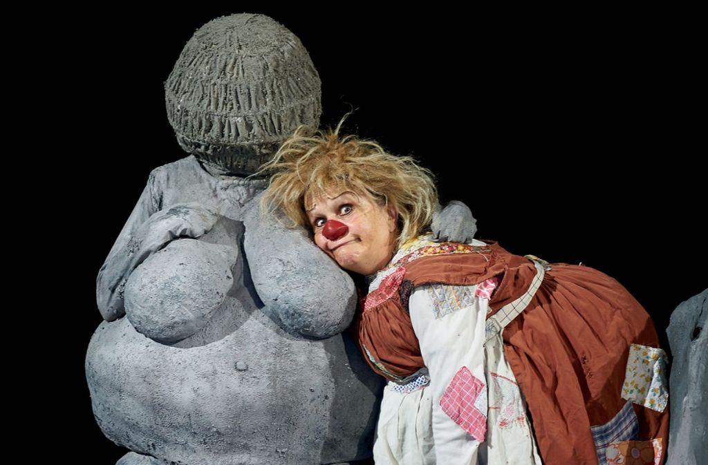 """Die Venus von Willendorf ist mit von der Partie, wenn Gardi Hutters neues Programm """"Gaia Gaudi"""" im Theaterhaus Deutschlandpremiere feiert.  Foto: Hajo Schüler"""