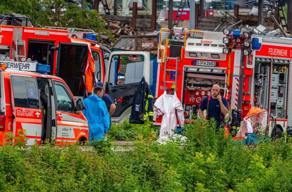 Vermeintlich gefährliche Metallkartuschen mit Totenkopf-Aufklebern haben einen Einsatz der Stuttgarter Feuerwehr und Polizei ausgelöst.  Foto: 7aktuell.de/Max Kurrer