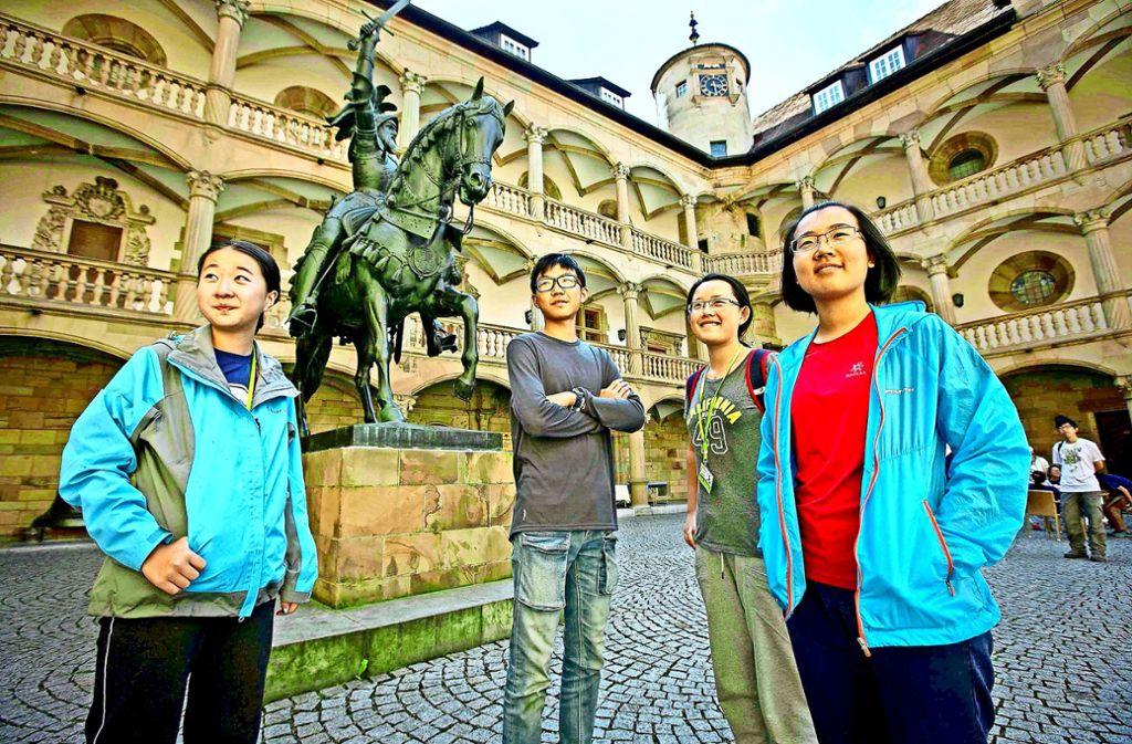 Immer mehr Besucher aus China kommen nach Stuttgart. In einigen Geschäften können sie bereits mit in China gängigen Zahlungssystemen bezahlen. Foto: