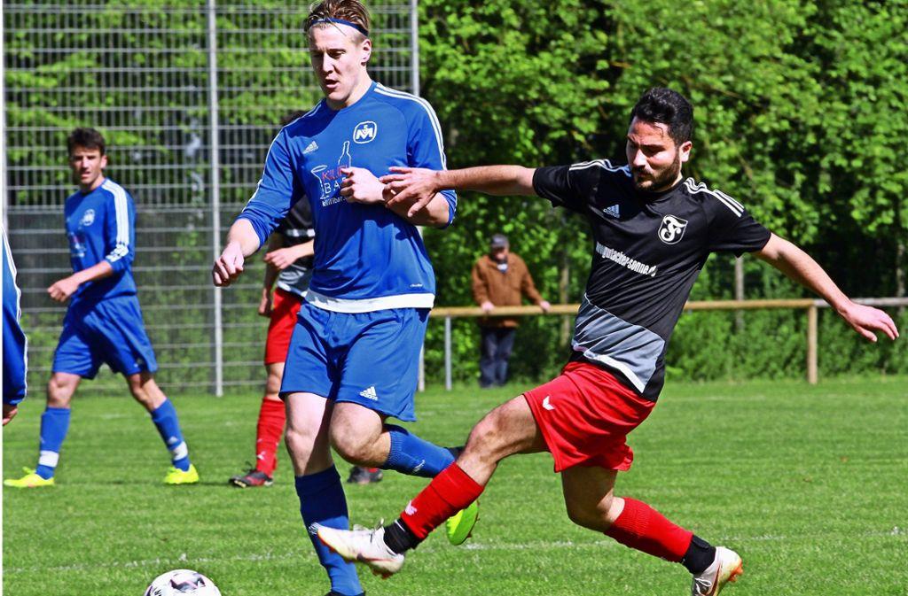 Marvin Kuhn (links) und dessen Möhringer Teamkollegen haben zum siebten Mal in Serie gewonnen.  Geht in der Tabelle    nun sogar noch mehr? Foto: Yavuz Dural