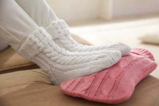 Was hilft bei kalten Füßen?