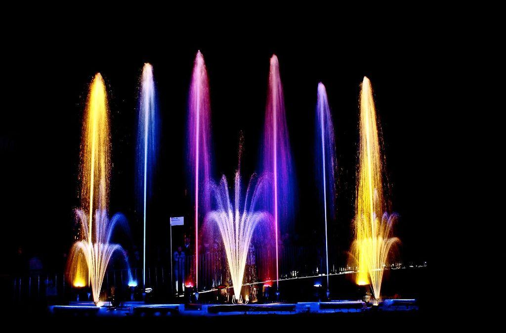 ...abends eine Lichtshow zur Livemusik: Das bietet das Murr-Spektakel in Backnang.Foto: Stadt Backnang Foto:
