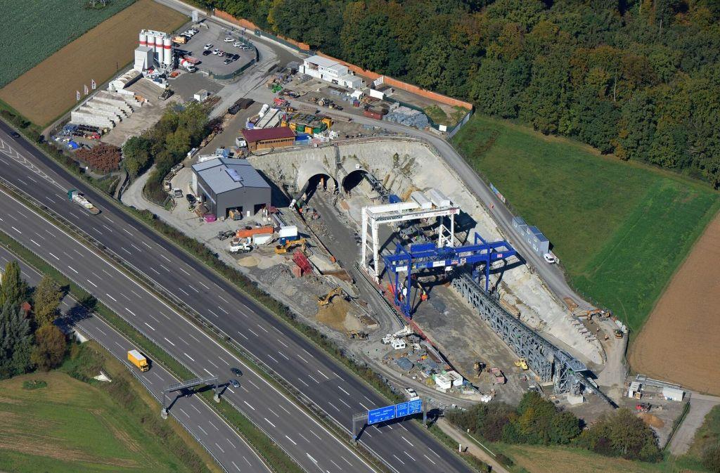Das Filderportal an der Autobahn Foto: Moritz Kraemer / Deutsche Bahn