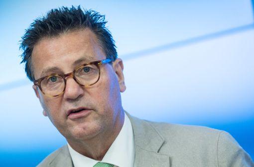 Gartenschau gegen Flüchtlingshilfe? - Kritik an Minister Hauk