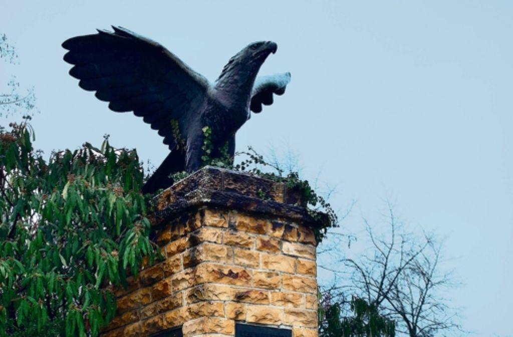 Äußerlich befindet sich der entnazifizierte Adler auf Sturzflug. Foto: Horst Rudel