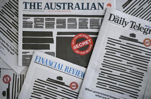 Geschwärzte Titelseiten für die Pressefreiheit