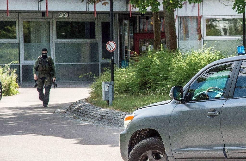 An der Friedrich-Ebert-Schule in Esslingen war am Montag Amokalarm ausgelöst worden. Verletzt wurde niemand. Foto: dpa