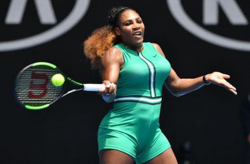 Tennis-Spielerin verblüfft mit gewagtem Outfit