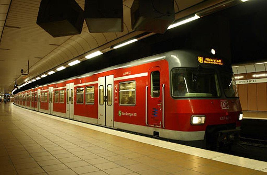 Wüste Szenen spielen sich in der S-Bahn Richtung Herrenberg ab (Symbolbild). Foto: Leserfotograf burgholzkaefer