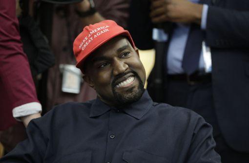 Kanye West daddelt im Theater