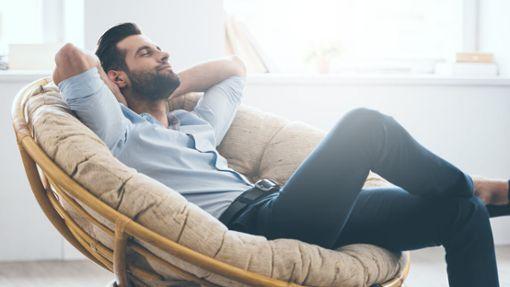 Es gibt viele Möglichkeiten in den eigenen vier Wänden zu entspannen. Mit diesen Tipps klappt die Entspannung für zuhause.
