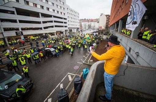 """Initiator Sakkaros kündigt """"härtere Maßnahmen"""" an"""