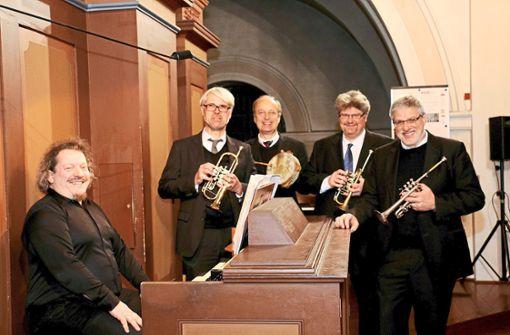 Mit Trompeten und Orgel ins neue Jahr