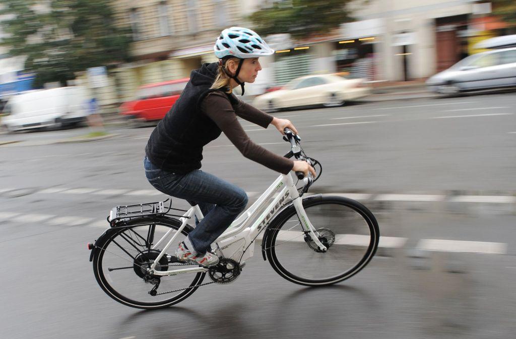 Immer mehr Arbeitgeber unterstützen den Umstieg aufs Fahrrad mit Hilfe der Entgeltumwandlung: Ein Teil des Gehalts fließt in die Leasingraten. Foto: dpa
