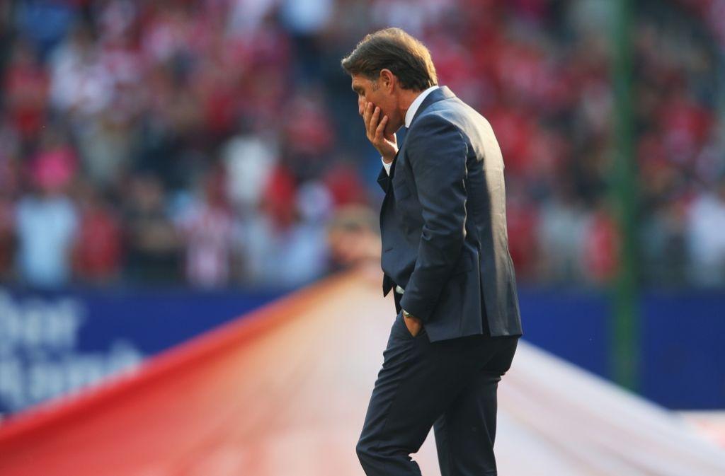 Bruno Labbadia muss sich nach dem Spiel zwischen dem Hamburger SV und dem FC Bayern München einen neuen Posten suchen. Foto: Getty