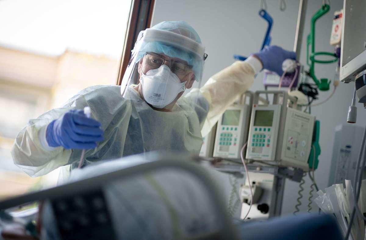 29 Corona-Patienten werden in Baden-Württemberg momentan beatmet. Foto: dpa/Kay Nietfeld