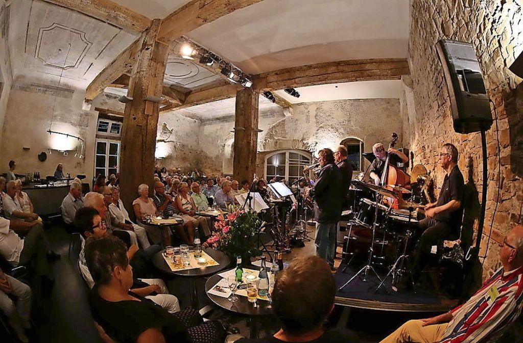 Die  Atmosphäre in der Schlosskapelle beflügelt Musiker und Publikum. Foto: Jazzclub