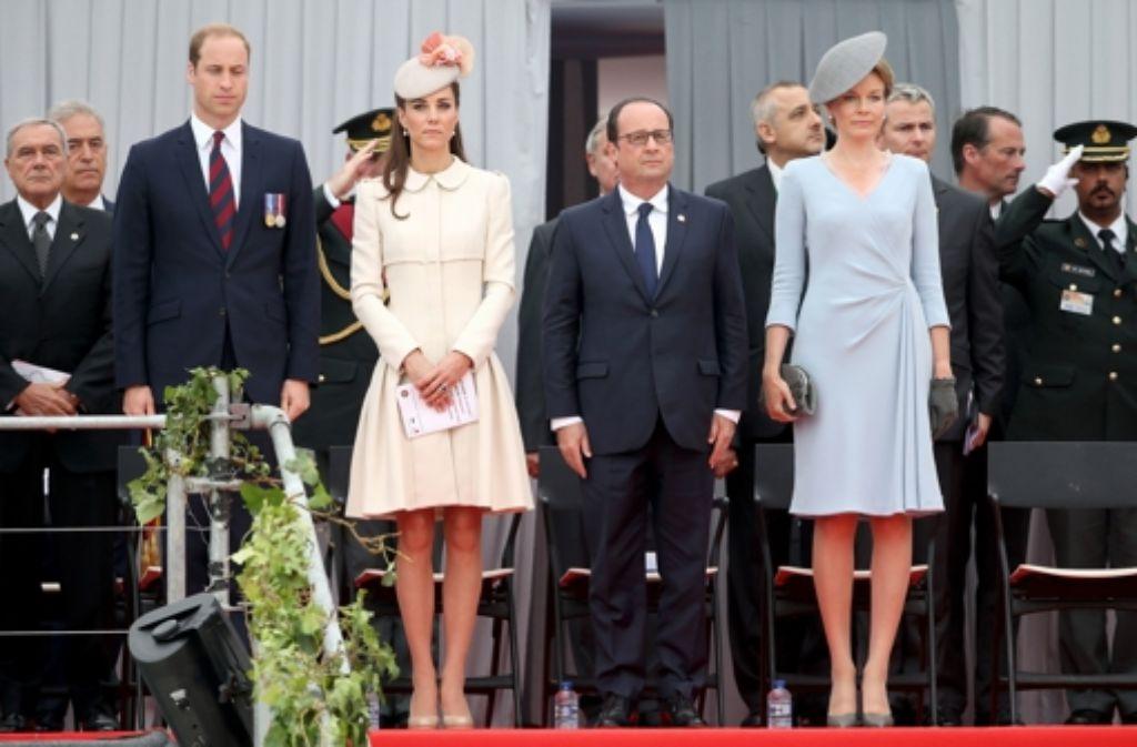 Gemeinsames Gedenken an den Ausbruch des Ersten Weltkriegs in Belgien: Prinz William, Herzogin Kate, Frankreichs Staatspräsident François Hollande und Belgiens Königin Mathilde (von links) Foto: Getty Images Europe