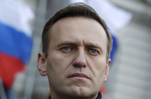 Alexej Nawalny kritisiert Gerichtsprozess bei Polizei