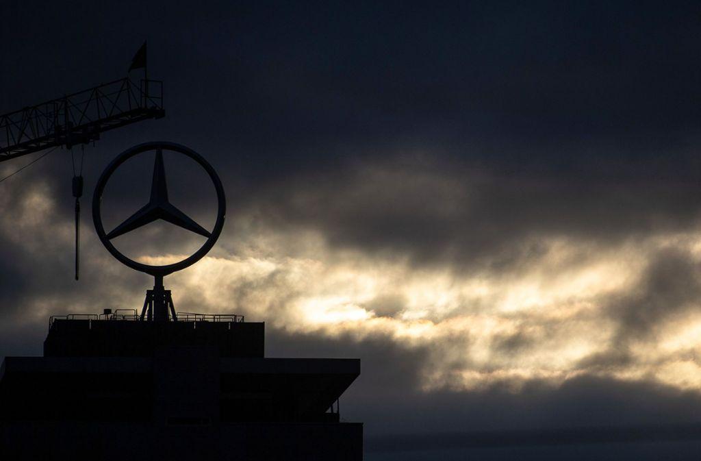 Daimler lehnte am Sonntagabend eine Stellungnahme zu dem Bericht ab. Foto: dpa/Sebastian Gollnow