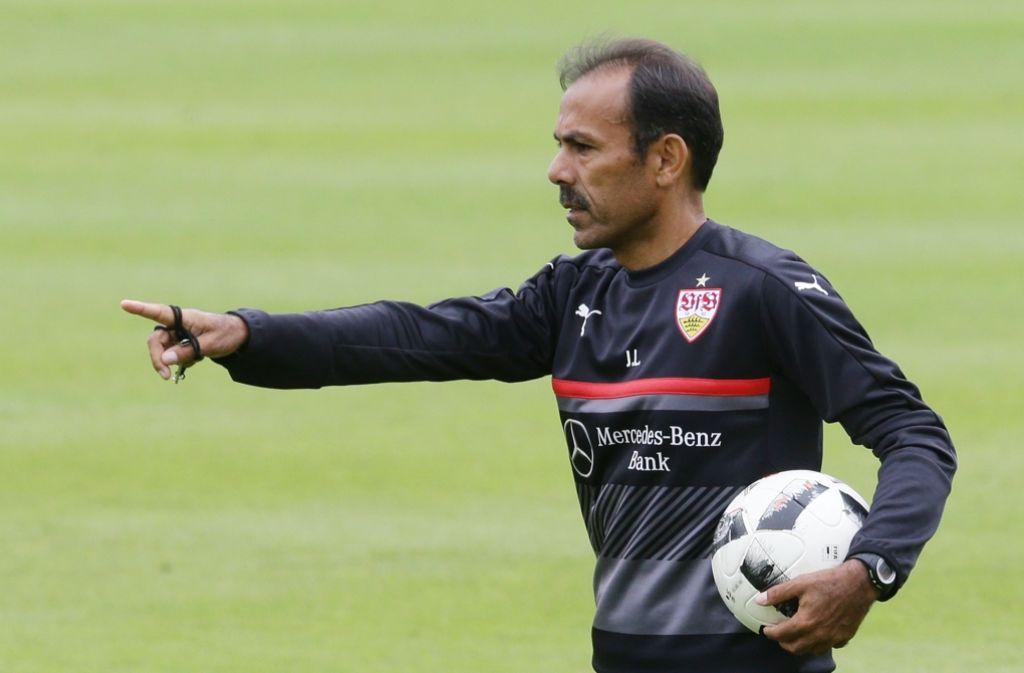 Ist der VfB bereit für den Wiederaufstieg in die Bundesligaa? Trainer Jos Luhukay gibt die Richtung vor. Foto: Pressefoto Baumann