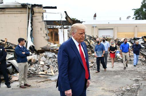 Donald Trump gibt Demokraten Schuld für Zerstörung