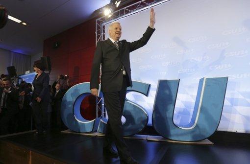 Ein Moment des Triumphs: Horst Seehofer nach der Wahlentscheidung Foto: AP