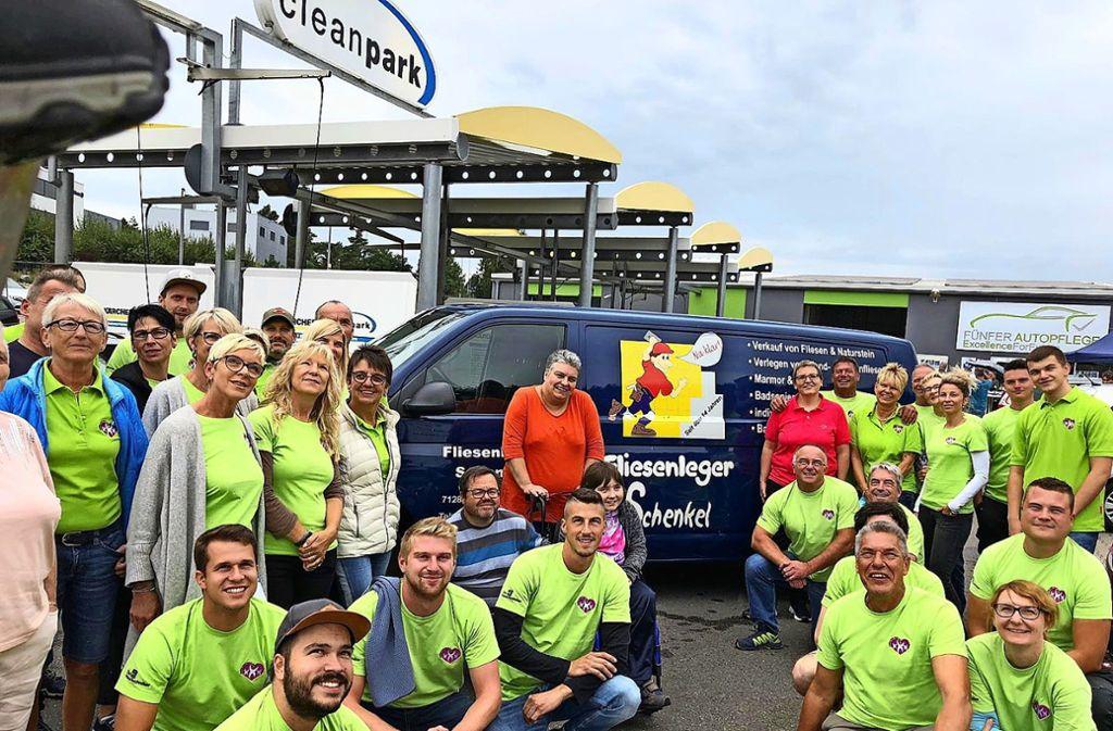 """Ida und ihre Familie erfahren viel Unterstützung und Solidarität  – hier vom Weissacher Verein """"Helfen mit Herz"""". Foto: privat"""