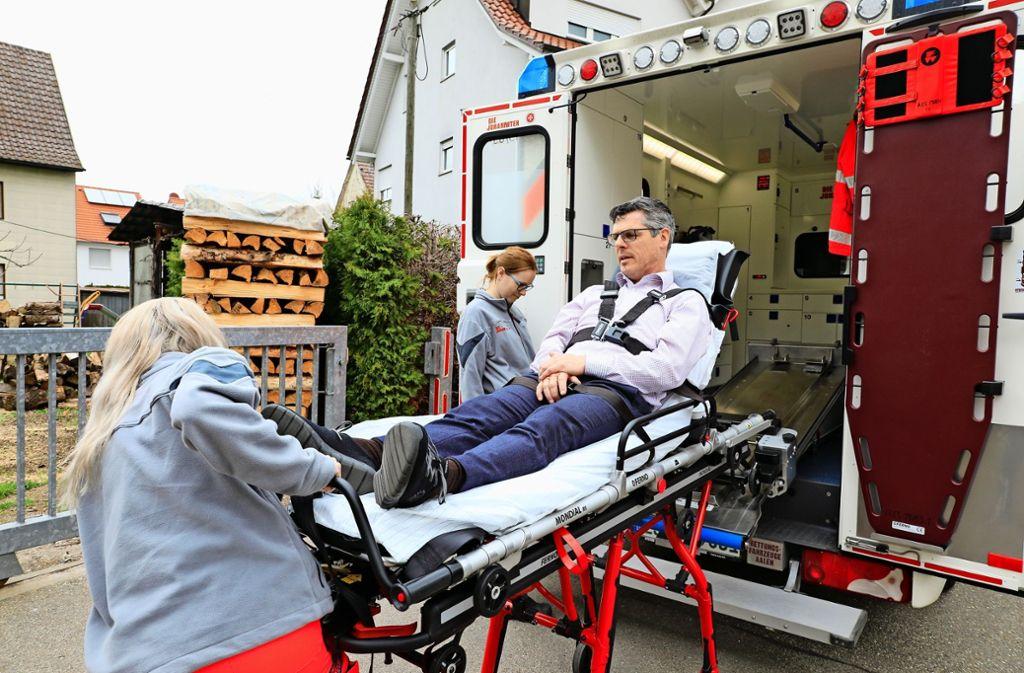 In 95 Prozent der Fälle muss der Rettungswagen nach spätestens 15 Minuten vor Ort sein. Auf den Fildern gab es hier allerdings Engpässe. Foto: Thomas Krämer