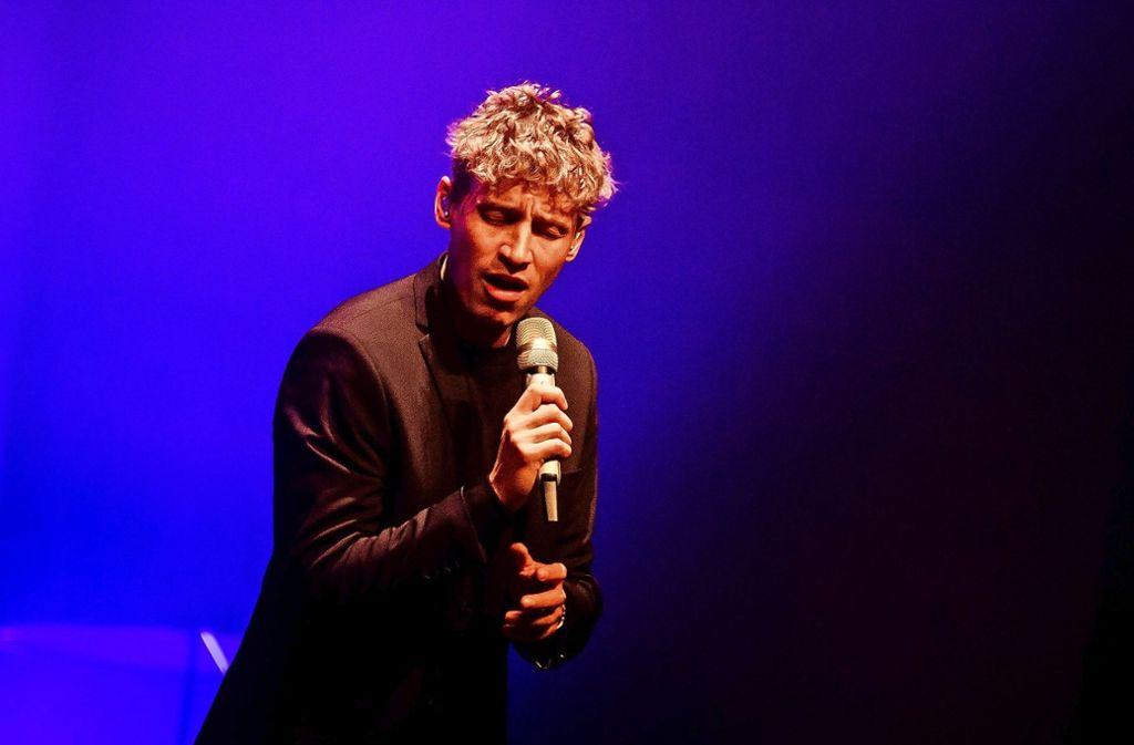 Tim Bendzko beim Auftritt am Dienstag im Beethovensaal Foto: Lichtgut/Christoph Schmidt