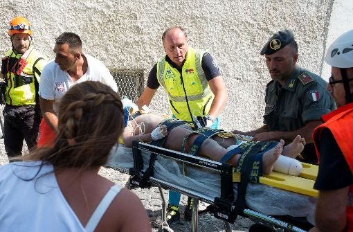 Drei Kinder aus Trümmern gerettet