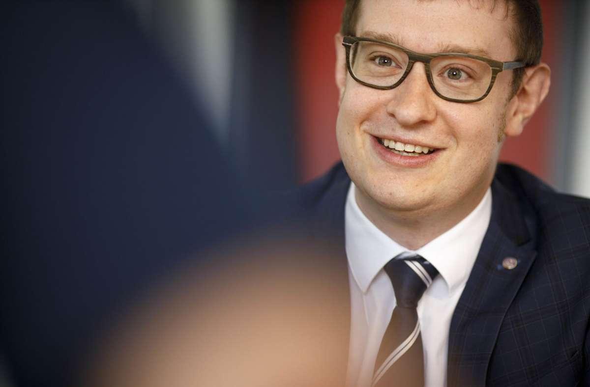 Maximilian Friedrich war vor acht Jahren der jüngste Bürgermeister Deutschlands, jetzt wurde er in Berglen mit 95,91 Prozent der Stimmen wiedergewählt. Foto: Gottfried Stoppel