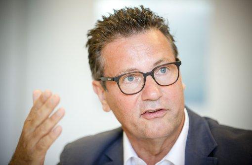 Hauk will besseren Schutz vor Telefon- und Internetbetrug