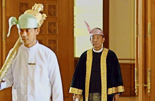 Der   Einzug der Parlamentarier in die Abgeordnetenvertretung wird von  Aung San Suu Kyis Partei dominiert. Foto: dpa