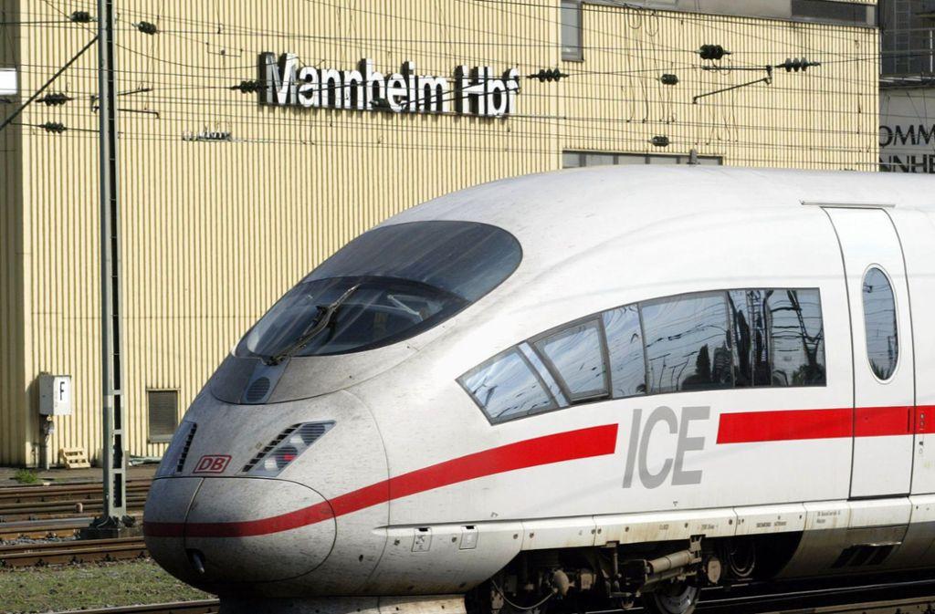 Wegen der kaputten Oberleitung wurden viele Fahrten in Mannheim gestrichen. Foto: dpa