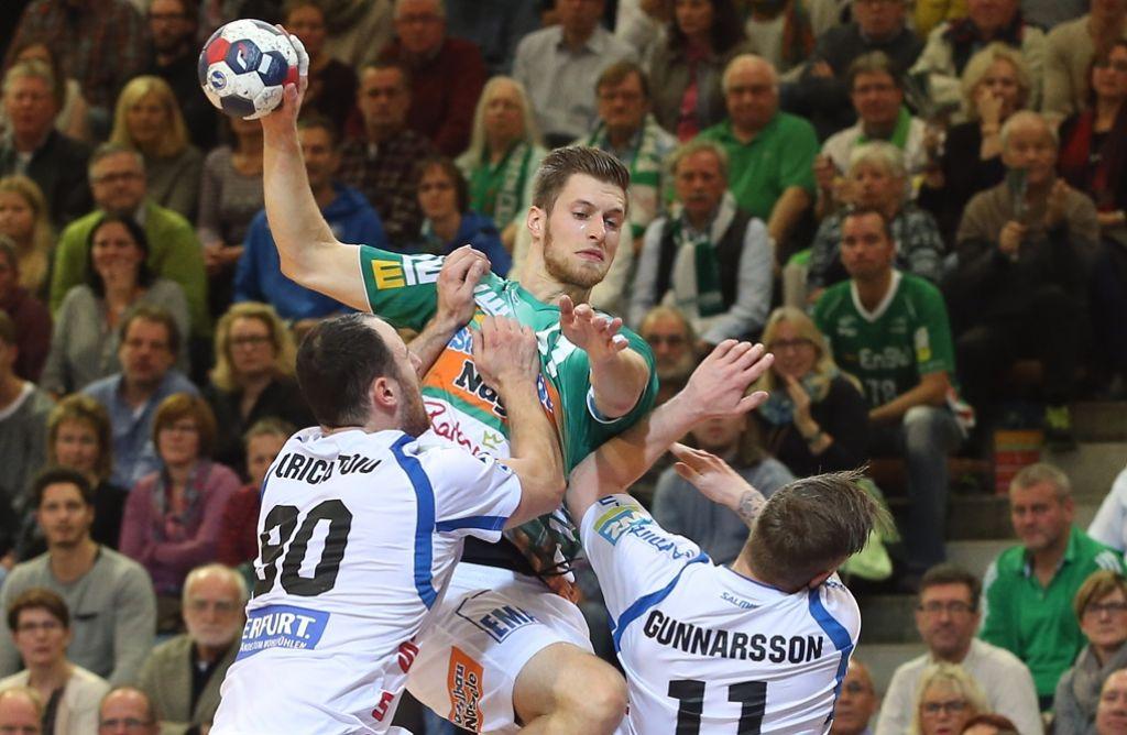 Will mit den Handballern von Frisch Auf Göppingen in der Liga wieder für positive Schlagzeilen sorgen: Daniel Fontaine (Mitte). Foto: Baumann